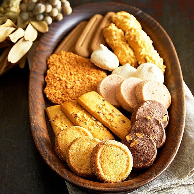 「帝国ホテル」 クッキー詰合せ(C-10N)(あす楽)(メーカー包装済、のしは外のし) 内祝い お返し 洋菓子 詰め合わせ お礼 お祝い 挨拶 引越し 引っ越し