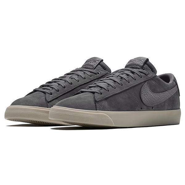 【ナイキ】 ナイキSB ズーム ブレーザ― LOW QS [サイズ:30cm(US12)] [カラー:ダークグレー×ダークグレー] #AQ9941-007 【靴:メンズ靴:スニーカー】【AQ9941-007】【NIKE NIKE SB ZOOM BLAZER LOW QS DARK GREY/DARK GREY】