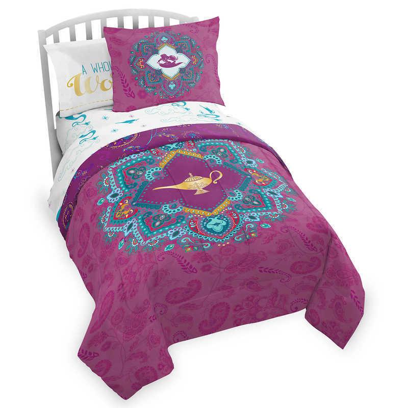 【取寄せ】 アラジン ジャスミン プリンセス コンフォート コンフォーター 布団 ツイン フル セット [並行輸入品] Aladdin Comforter Set - Twin  Full/Queen グッズ ストア プレゼント  【取寄せ】 ディズニー Disney US公式商品 アラジン ジャスミン プリンセス コンフォート コンフォーター 布団 ツイン フル セット [並行輸入品] Aladdin Comforter Set - Twin  Full/Queen グッズ ストア プレゼント