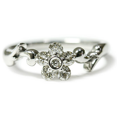 指先のまばゆい光を演出!1サイドセッティングダイヤモンド フラワーリング 誕生石 4月
