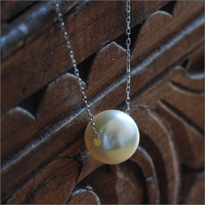 """《プレミアム》K18こんな透明感を見たことがありますか?花珠を超える""""あこやクイーン""""!真珠オタク秘蔵のあこや真珠8-8.5mm極上シンプル1粒ネックレス 誕生石 6月"""
