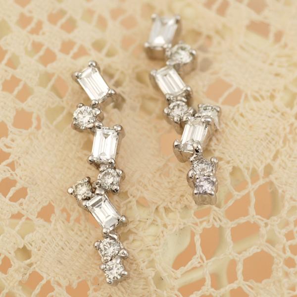 サマーセール 7/27迄 「エスパス」バゲットカット×ブリリアントカットダイヤモンドピアス対応金種:K18WG/K18YG/K18PG※こちらのピアスは1ペアの金額です 誕生石 4月