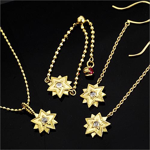 「알비 레오」링, 펜던트 톱, 피어스 미야자와 겐지 로망이 황인 듯하는 별의 쥬얼리가 되었습니다. ※이쪽의 피어스는 1 페어의 금액입니다