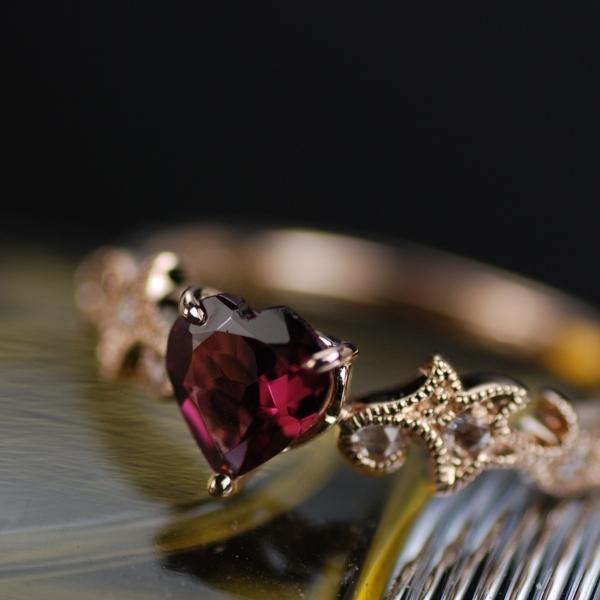 로드 라이트 가넷 하트 셰이프 × 로즈 컷 다이아몬드 반지 링 대응 금 종: K18WG/K18YG/K18PG (사진은 PG) 대응 사이즈: 6 호 ~ 15 호