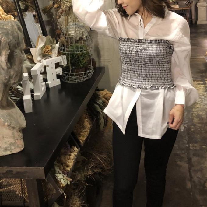 BIGシルエットのシャツにシャーリングビスチェ GLAMOROUS GARDEN ビスチェ付きBIGシャツ シャーリングビスチェSET ドロップショルダー 税込 グラマラスガーデン ショップ 968円 当店通常価格 お気に入り 4 シャツ