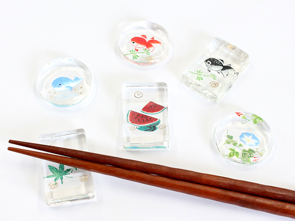◆『ガラスの箸置き』角型/涼風箸置き/金魚・角昭峰作/かわいい!/プレゼントやギフトに!