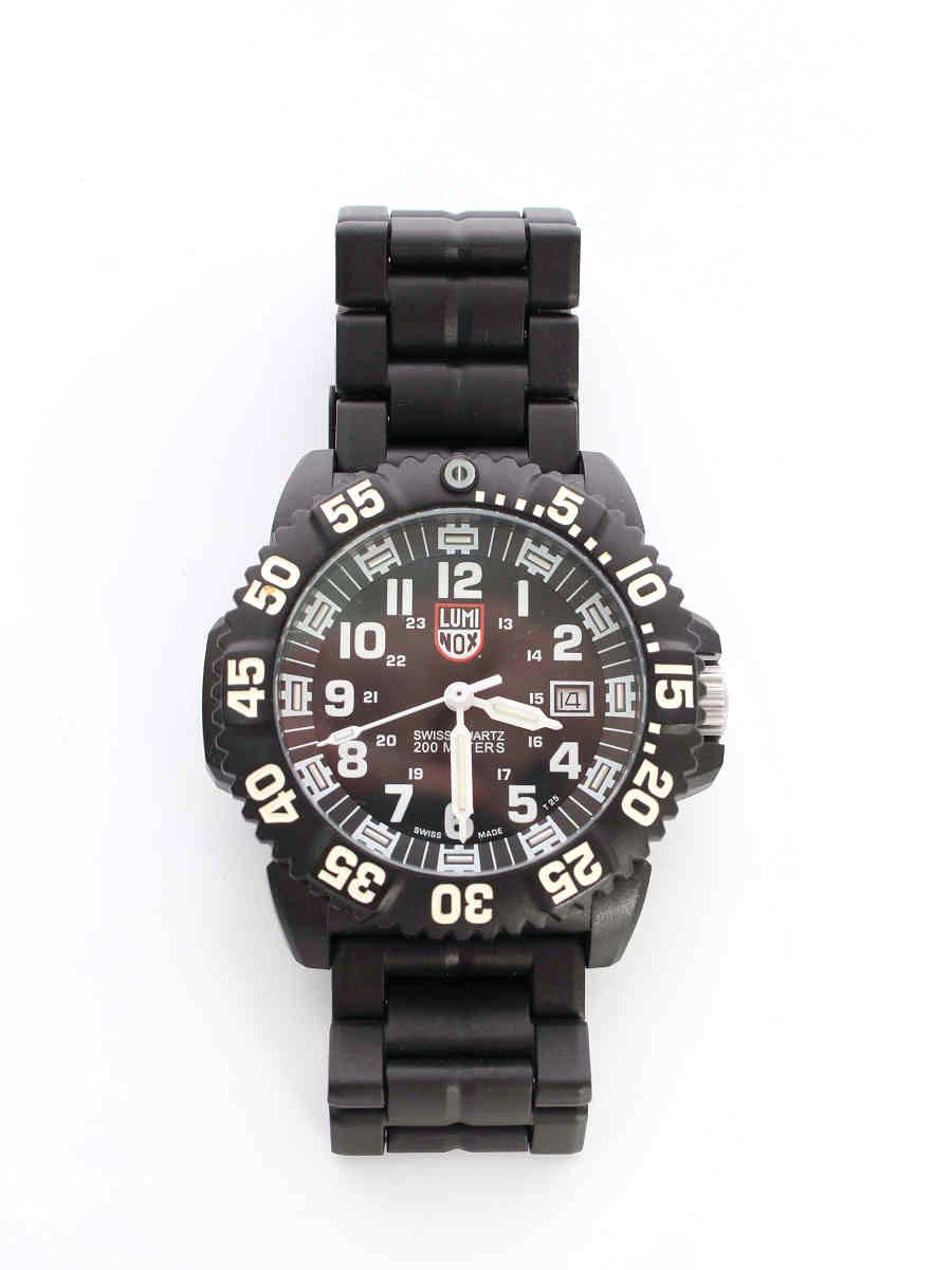 ルミノックス 腕時計 クオーツ ネイビースールズ カーボンケース【Aランク】【中古】tn200301