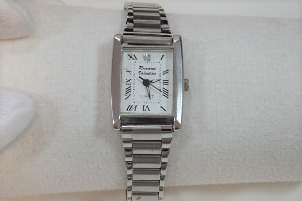 3333e8575e ロマーニバレンチノROMARNIVALENTINOレディース腕時計スクエア白ホワイト文字盤シルバーSSアナログクォーツファッションウォッチ