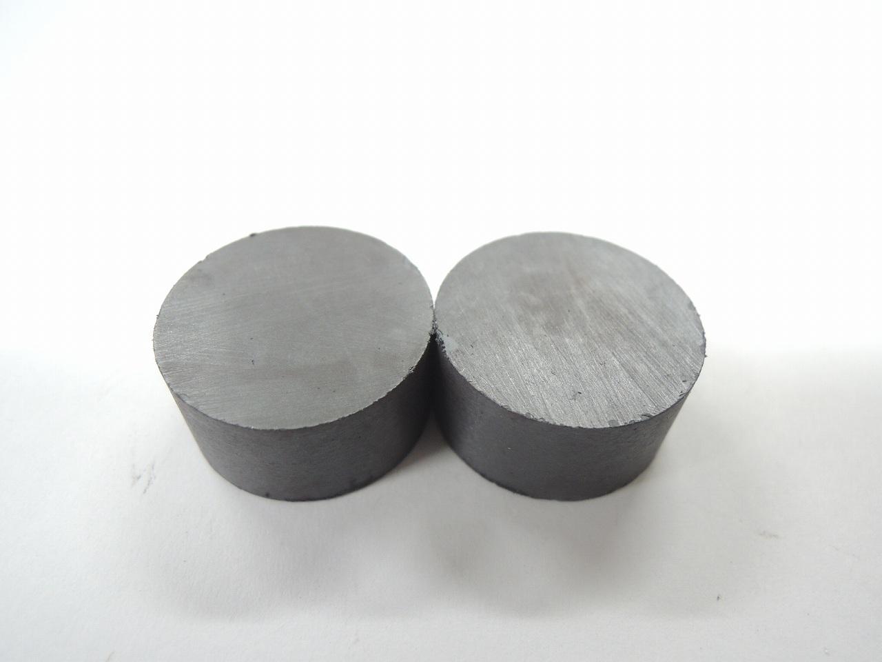 丸型のフェライト磁石です ベスト 丸型強力 マグネット 20×10 17-15 爆買い新作 オープニング 大放出セール 2個入り