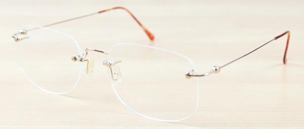10-94106b[ベストワンオンラインショップ][おしゃれな眼鏡][通販メガネ][老眼鏡][乱視対応][シニアグラス][遠近両用] 可能