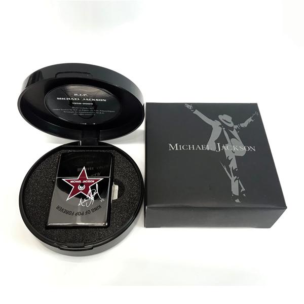 """ZIPPO 2009個 限定品 マイケル・ジャクソン追悼記念 (C)HOLLY WOOD WALK OF FAME""""6927"""" レコード盤スペシャルBOX シルアルナンバー入り Michael Jackson 両面加工 ジッポー"""