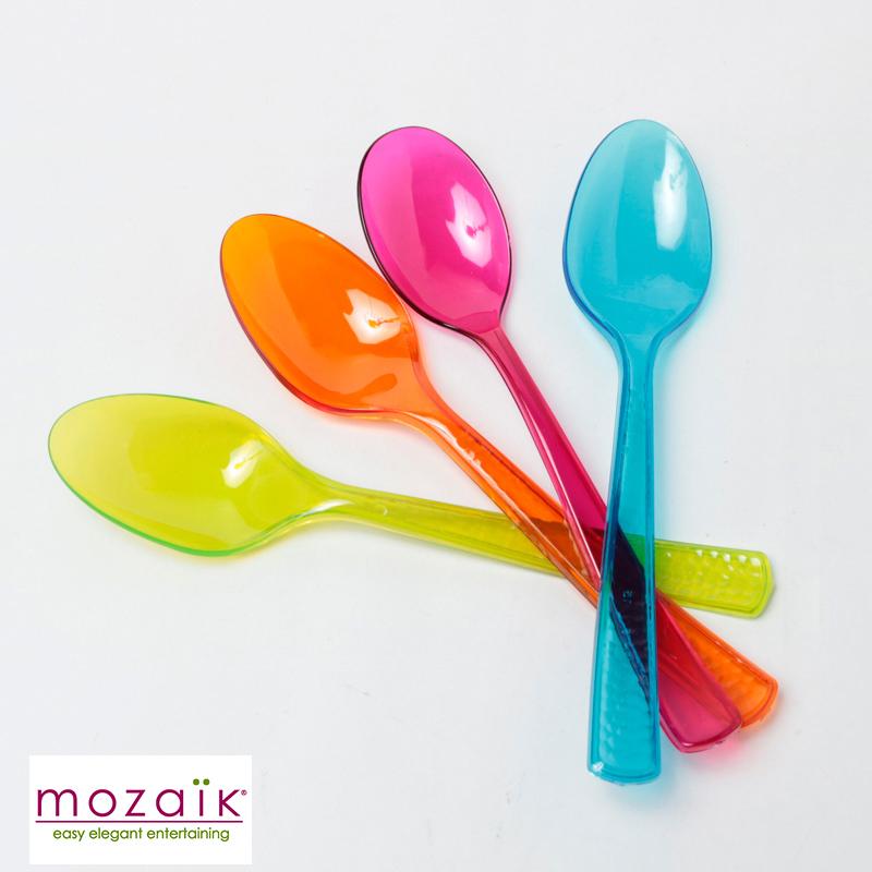 Mozaik 安心の定価販売 記念日 カラフル スプーン 8本入り 4色×2本 プラスチック パーティー食器 プラスチック製 ホームパーティー ケータリング 女子会 おしゃれ 使い捨て プラスチックスプーン BBQ