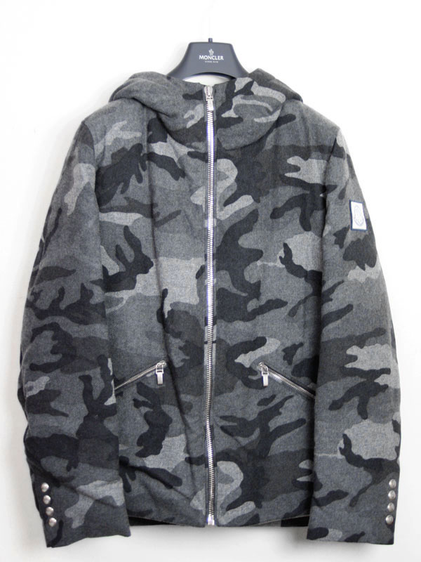 Monkleylgam blue MONCLER GAMME BLEU men's bomber jacket Hooded down jacket GREY (grey Camo) 4130800 13448 997.