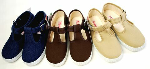 While Cienta sienta new in stock ★ celebs kids they love! AMA-be scented! Canvas T-strap shoes ★ kids / junior sneakers