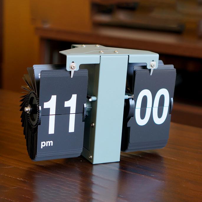 置き時計 フリップクロック ルフト オリーブ FLIP CLOCK LUFT OLIVE 置き掛け時計 アナログ時計 パタパタ時計 パタパタクロック レトロ ブルックリン アメリカン