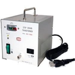 【送料無料】 日章工業 変圧器 (ダウントランス)「トランスフォーマ SDXシリーズ」(110/120V・1500W) SDX-1500U[SDX1500U]