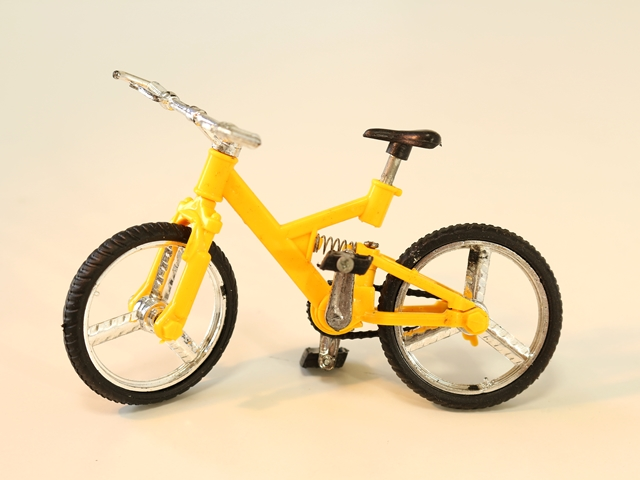 소형 자전거/소형 잡화/자전거 미니어쳐/자전거 모형/자전거 미니어쳐/자전거 모형/자전거 미니어처 류/MTB 자전거 자전거 염가 ♪ 소형 자전거 모형 MTB 미니 바이크 옐로우 ■ A0130