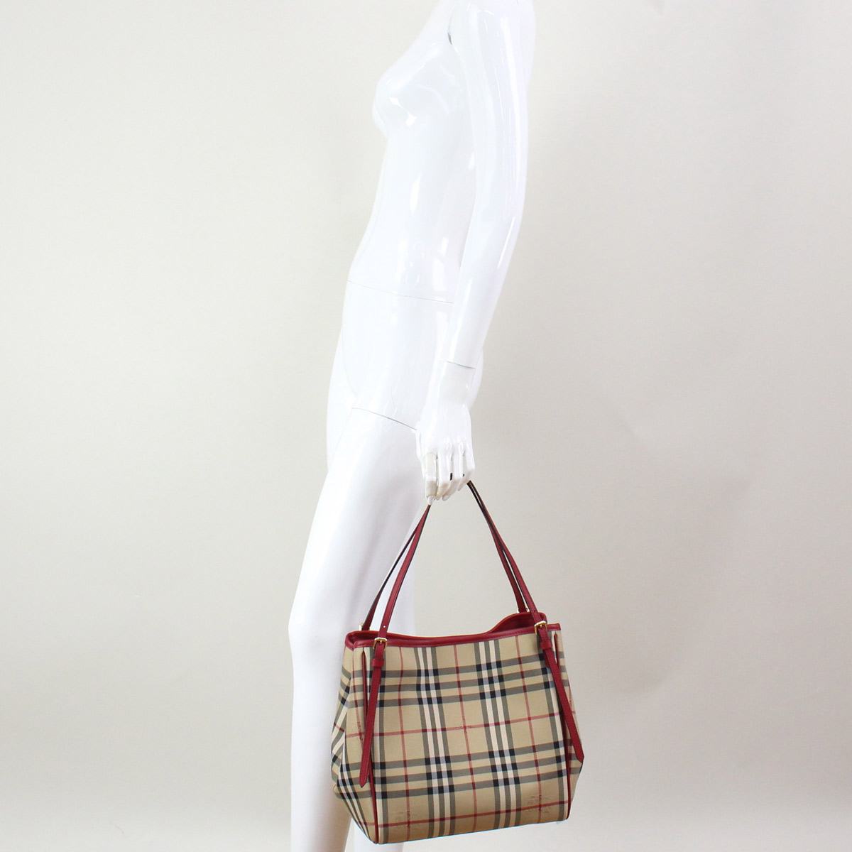d69e108c8289 Bighit The total brand wholesale  Burberry (BURBERRY) SM CANTER ...