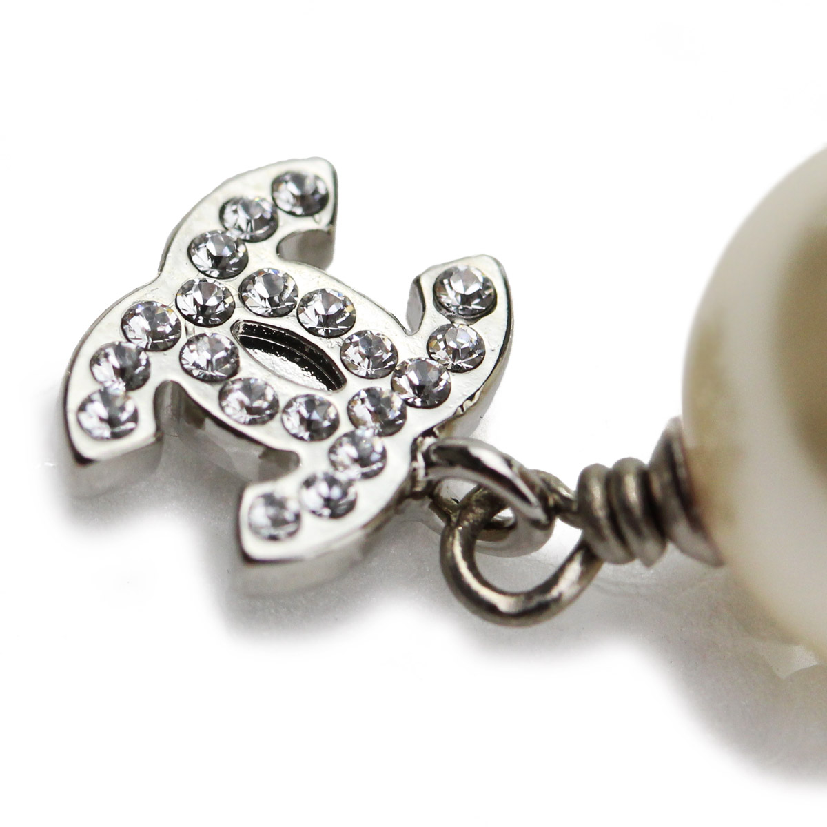 A36138 silver / Pearl Earrings Chanel (CHANEL)( taxfree/send by EMS/authentic/A brand new item )