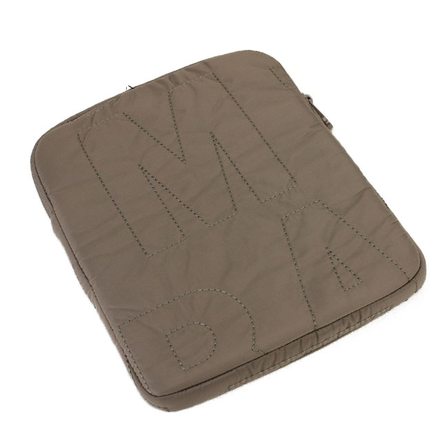 Mark by mark Jacobs (MARC BY MARC JACOBS) iPad case M6PE007 80113 QUARTZ GREY brown system