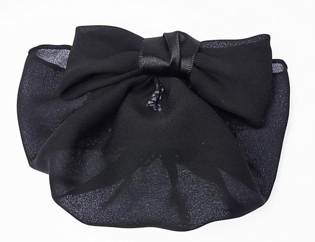 リボン バレッタ シニヨン ネット カバーつき リボンが小さく、マットな素材で目立ちませんカバー付きだから毛先をつつんでキレイに見せます。