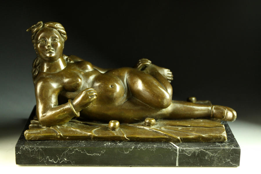 【送料無料】大型重量ブロンズ像 横になる太い裸婦 ボテロインテリア彫刻フィギュア