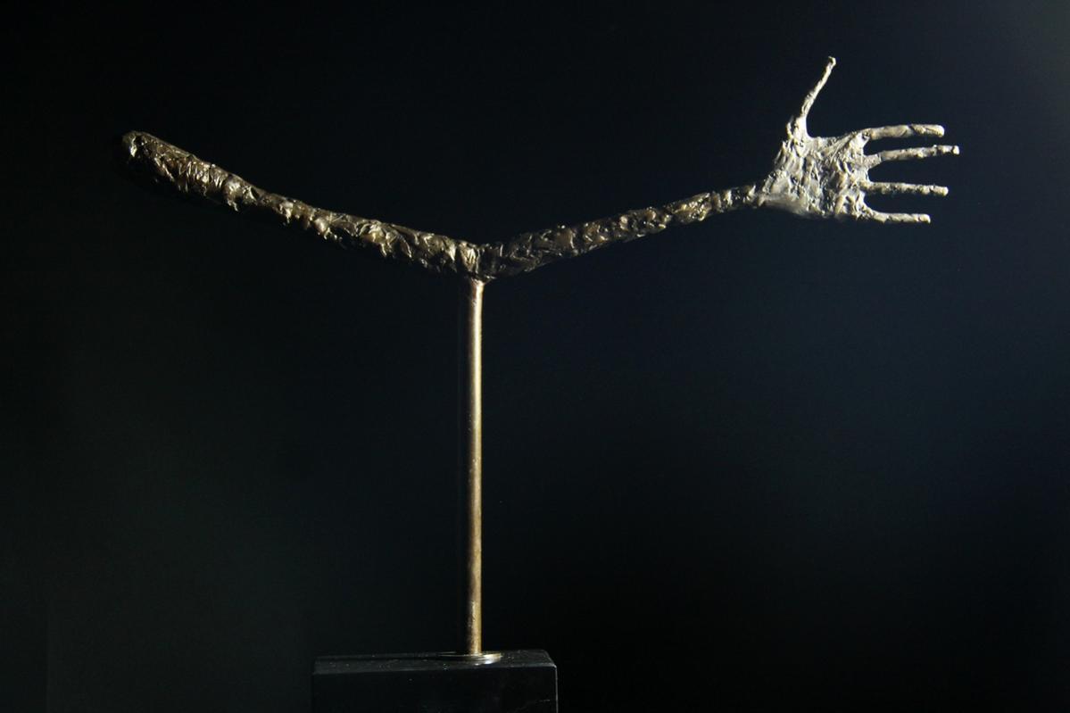 【送料無料】超大型ブロンズ像 手 彫刻 手 名作インテリア ジャコメッテ47cm 名作インテリア 彫刻 銅像, ヒットイレブン:7610bf86 --- sunward.msk.ru