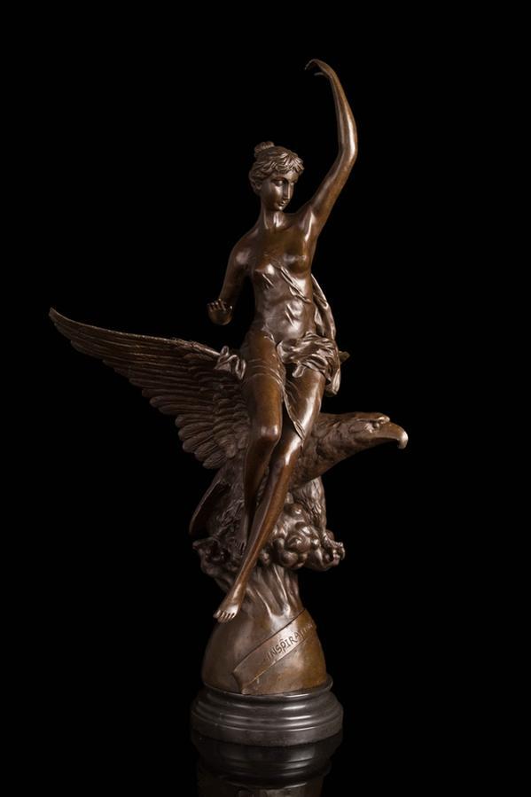 超大型 ブロンズ像 鷹に座っている女神 インテリア 彫刻 銅像 76cm 18kg