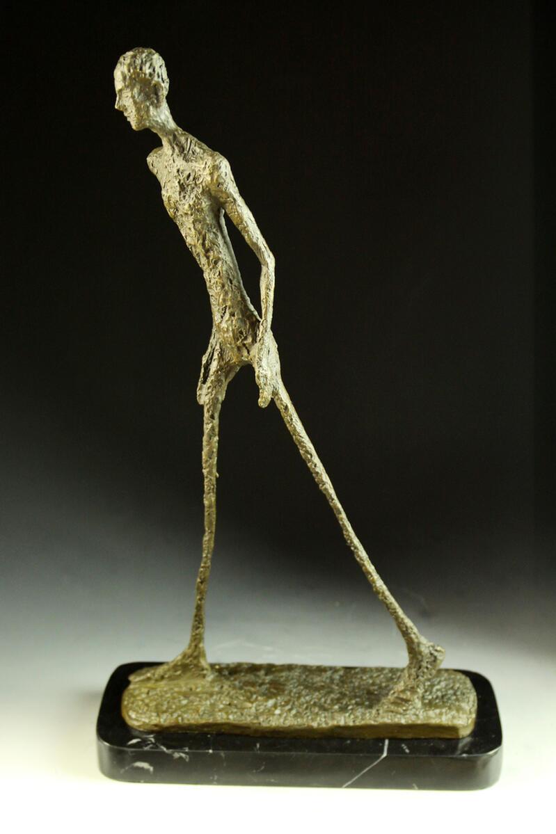 【送料無料】大型ブロンズ像 歩く男 ジャコメッティ 45cm 名品インテリア 彫刻 銅像