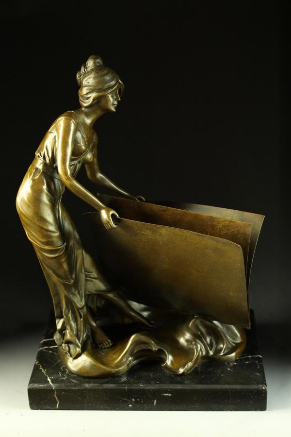 【送料無料】大型ブロンズ像 本を読む婦人 39cm milo名品