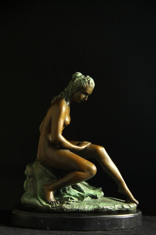 【送料無料】大型ブロンズ像 座ってる婦人 6.8キロmilo大名品彩色インテリア 彫刻 銅像