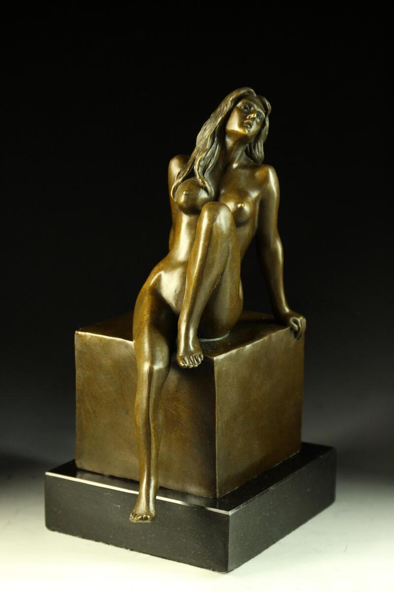 【送料無料 MILO名品】超人気ブロンズ像 座ってる裸少女 MILO名品, GUTS-CYCLE:d04352f2 --- sunward.msk.ru