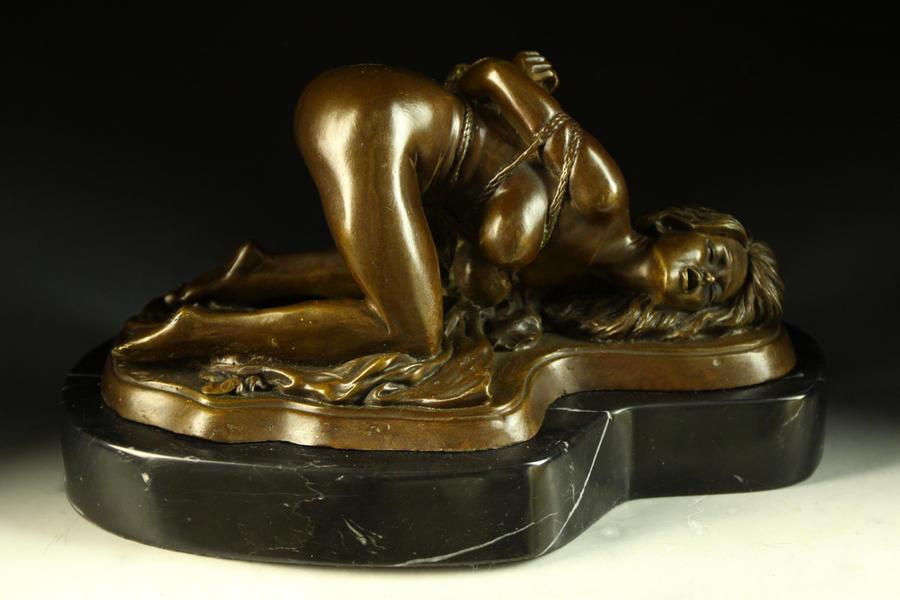【送料無料】大人気ブロンズ像 緊縛の裸婦 J.Mavchi大名作インテリア彫刻フィギュア