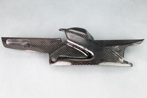 平織ドライカーボン フェンダーレス用チェーンガード クリア塗装済 A-TECH(エーテック) KATANA(刀)19年
