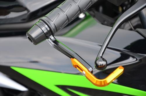 レバーガード(ブレーキ側のみ)ガードエンド/ゴールド ガードステー/ゴールド ジュラコン/ホワイト AGRAS(アグラス) Ninja250SL(ニンジャ250SL)