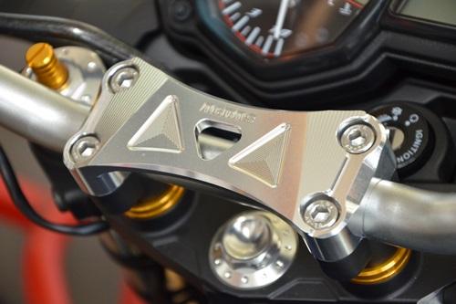 ハンドルアッパーブラケット AGRAS(アグラス) MT-25