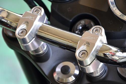 ハンドルポスト アッパーブラケットセパレートタイプ(純正トップブリッジ用) AGRAS(アグラス) Z900RS(2BL-ZR900C)
