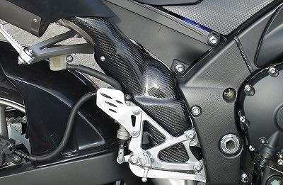 マフラーヒートガード(右側) カーボン平織 CLEVER WOLF RACING(クレバーウルフレーシング) YZF-R1(09年~)
