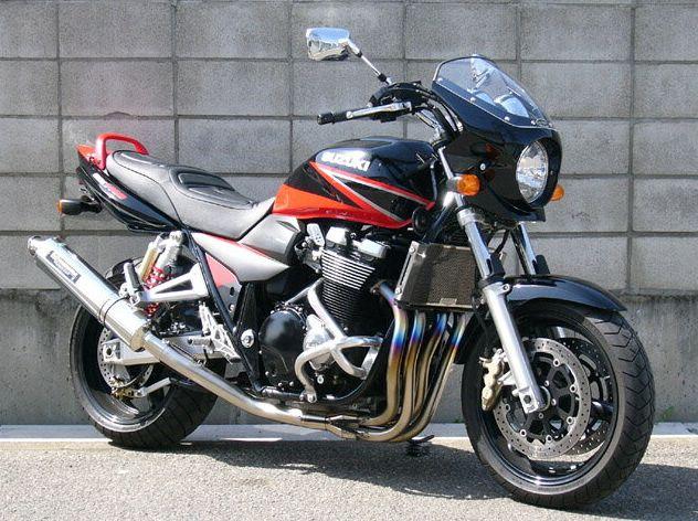 ロードコメット2 スモークスクリーン ソリッドブラック単色 通常スクリーン CHIC DESIGN(シックデザイン) GSX1400(01~08年)