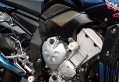 FZ1 FAZER(06年~) フレームプロテクター(左右セット) 平織りカーボン製 MAGICAL RACING(マジカルレーシング)
