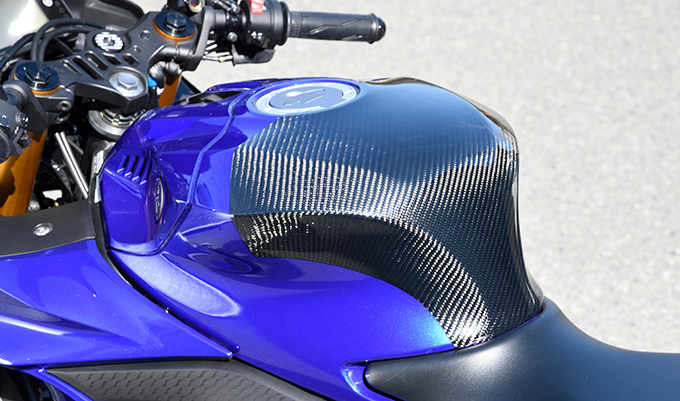 タンクエンド 綾織りカーボン製 MAGICAL RACING(マジカルレーシング) YZF-R25(19年)