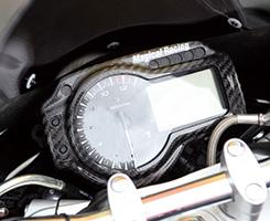 GSR750(10年~) メーターカバー 綾織りカーボン製 MAGICAL RACING(マジカルレーシング)