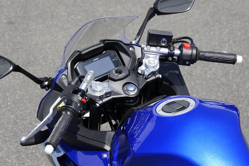 スポーツライディング ハンドルキット シルバー OVER(オーバーレーシング) GSX250R