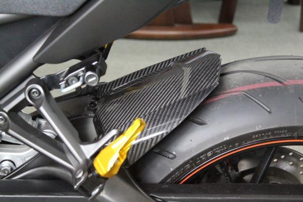 MT-09/ABS(14年~) インナーリアフェンダー ドライカーボン 綾織り艶あり/純正形状 SSK(エスエスケー)