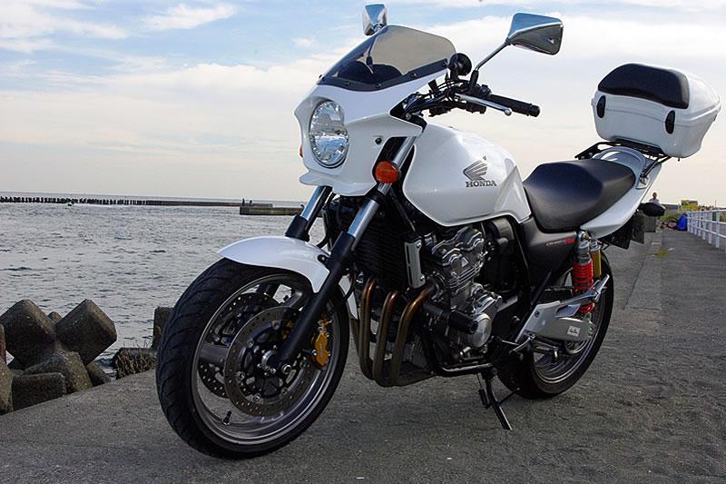 CB400SF 汎用ビキニカウル DS-01 typeエアロ クリアスクリーン(パールサンビームホワイト単色塗装)NH-A66P WORLD WALK(ワールドウォーク)