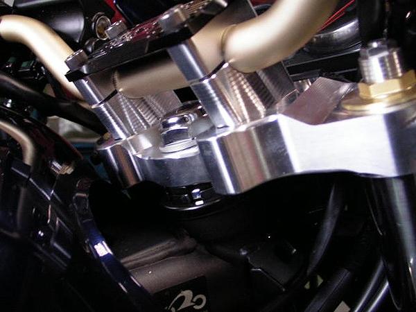 BEET 0680-K99-10 トップブリッジキット ブレース付 ゴールド ZRX1200DAEG ZRX1200ダエグ
