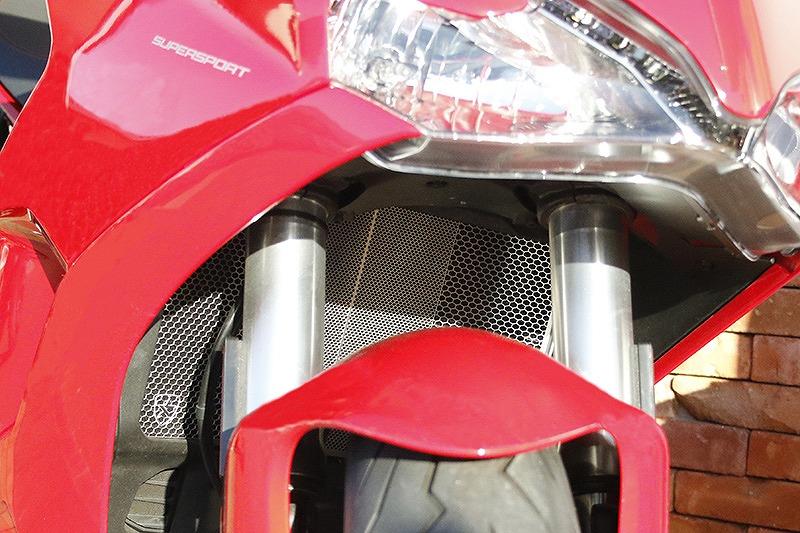 トリックスター ラジエター&オイルクーラーコアガードセット ステンレスシルバー DUCATI SuperSport939 ドゥカティ スーパースポーツ939 ステンレスシルバー VHG-D07-SV