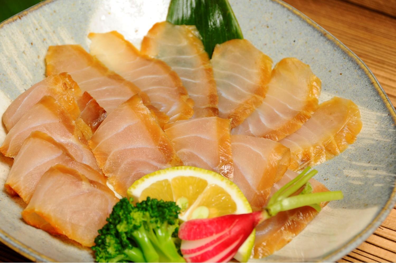 千家国麿さんと典子さんの披露宴のフランス料理の食材として使用されました!(国産)チョウザメの燻製60g