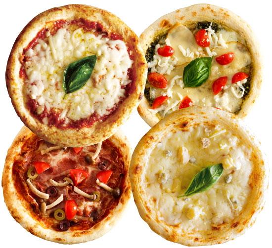 ディアボラチキンのピザの正面写真