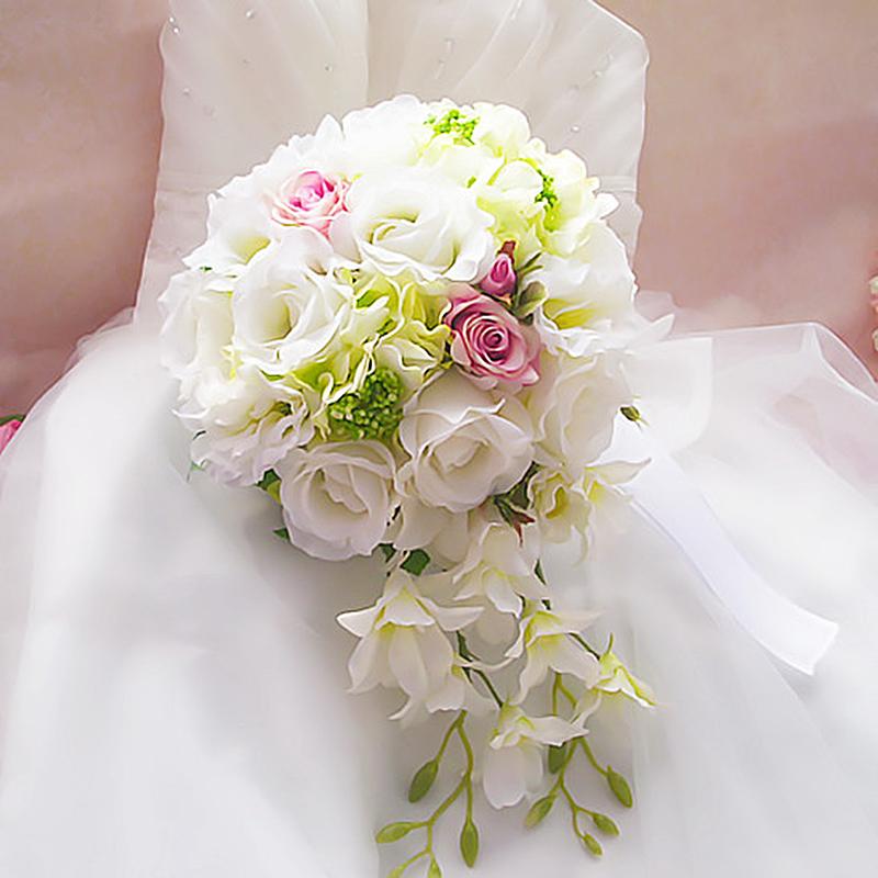 結婚式 フォトウエディングに ボリュームいっぱいの造花ブライダルブーケ☆彡 造花 ブーケ ウェディングブーケ 造花ブーケ 期間限定で特別価格 マーケット ラウンドブーケ トスブーケ ブライダルブーケ flo10b